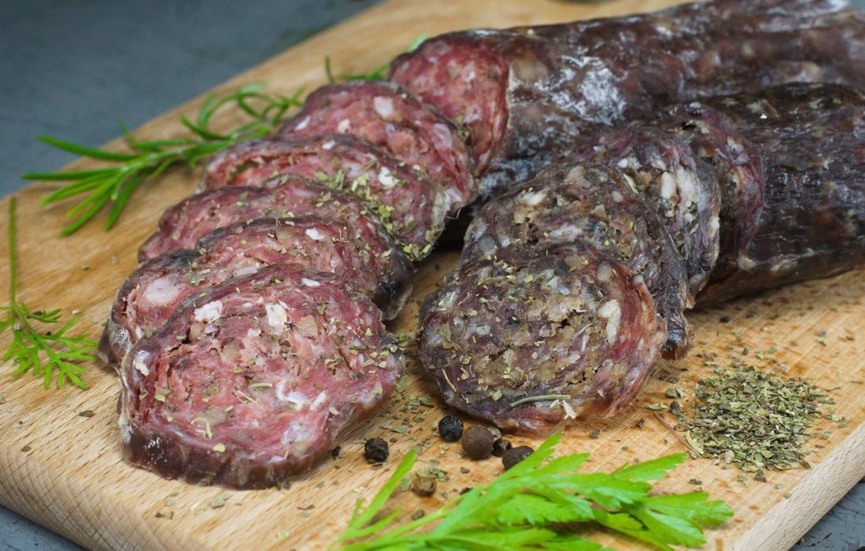 Зображення Сиров'ялена салямі з грецькими горіхами Своїм